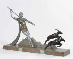 SCULPTURE DIANA THE HUNTRESS